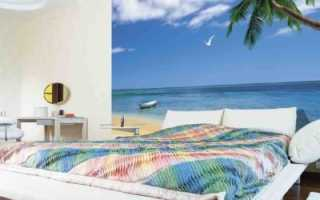 Окно в париж, или интерьер спальни с оформлением стен фотообоями