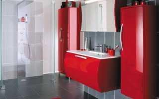 Ванная комната в красном и белом цвете