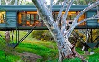 Оригинальный каркасный дом на сваях в лесной низине от австралийского архитектора max pritchard, аделаида, австралия